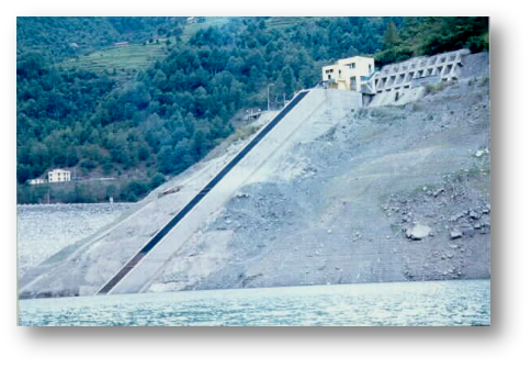 尼泊尔库里卡尼水电站工程大坝
